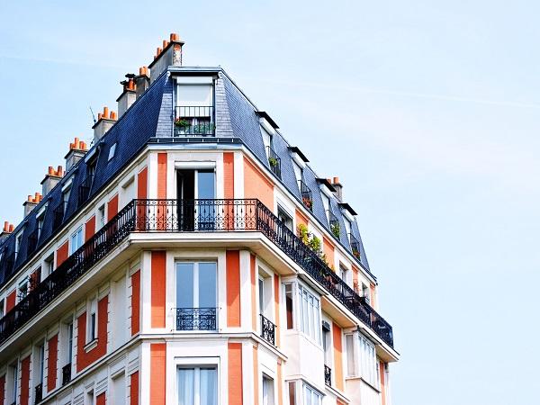 https://www.tkr-patrimoine.fr/wp-content/uploads/2020/08/apartment-building-1149751.jpg